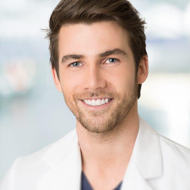 Dr Francis Gravel